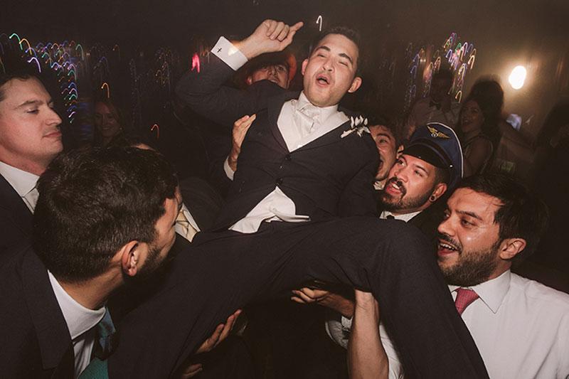 Boda interior con mucho rollo | Fiesta Party | www.bodasdecuento.com 56