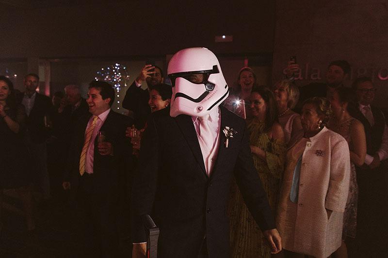 Boda interior con mucho rollo | fiesta party la hora loca starwars | www.bodasdecuento.com 59