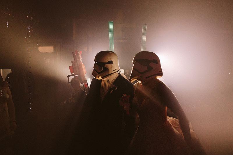 Boda interior con mucho rollo | fiesta party la hora loca starwars | www.bodasdecuento.com 60