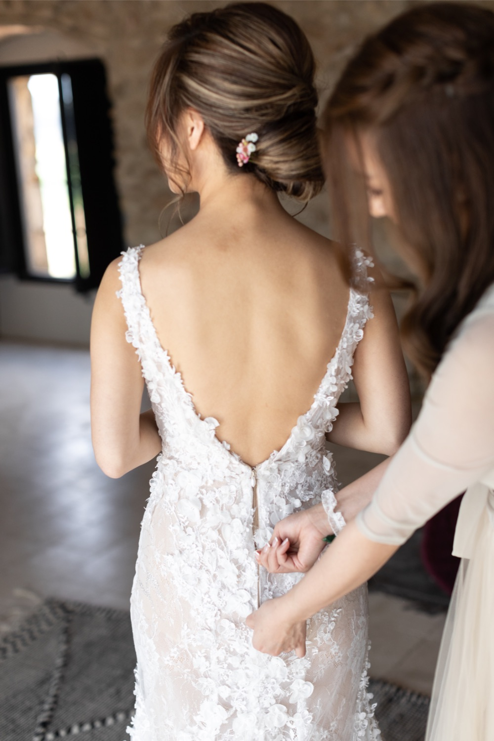 bridal dress back