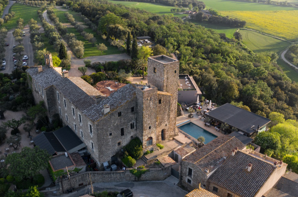 Destination Wedding in a castle in Costa Brava