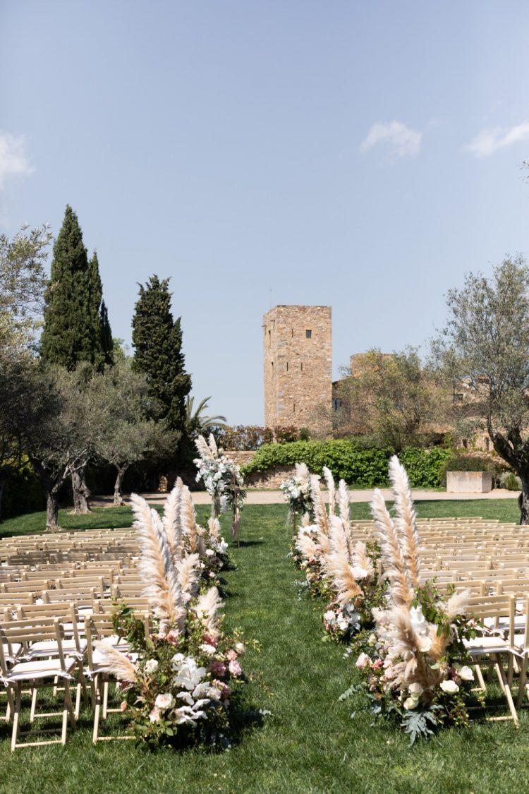 Wedding destination ceremony castle pampas jardín