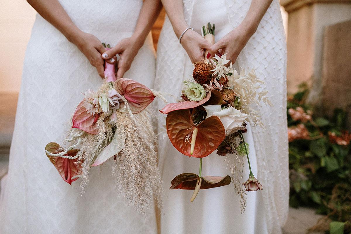 ramo de novia boda boho chic LGTB dos novias