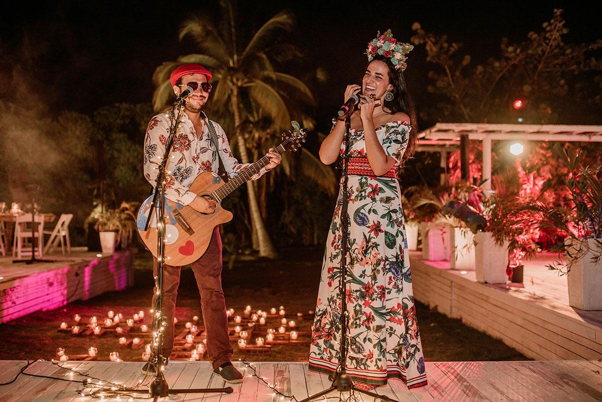 musica en directo cena boda isla luau party