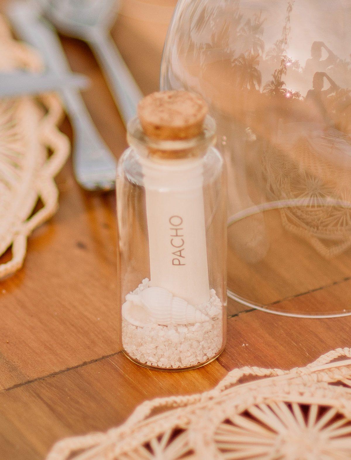 set de mesa nombre frasco de arena boda en una isla de colombia